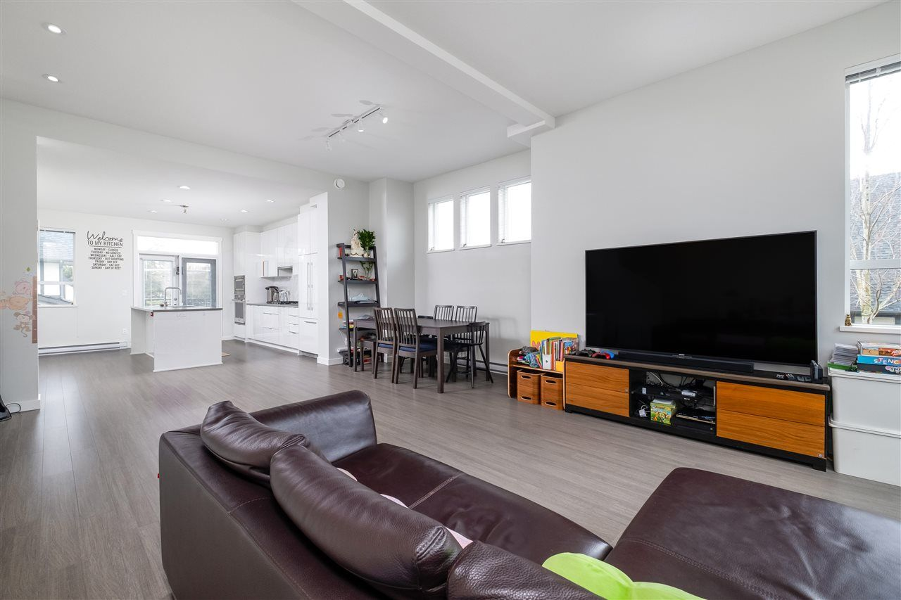 """Photo 5: Photos: 17 10388 NO. 2 Road in Richmond: Woodwards Townhouse for sale in """"KINGSLEY ESTATE"""" : MLS®# R2529818"""