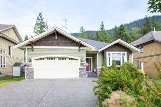 """Photo 2: 41424 DRYDEN Road in Squamish: Brackendale House for sale in """"BRACKEN ARMS"""" : MLS®# R2561228"""