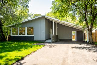 Photo 1: 152 Oakdean Boulevard in Winnipeg: Woodhaven House for sale (5F)  : MLS®# 202017298