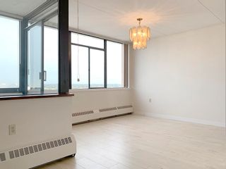 """Photo 3: 1707 6651 MINORU Boulevard in Richmond: Brighouse Condo for sale in """"PARK TOWERS"""" : MLS®# R2622597"""