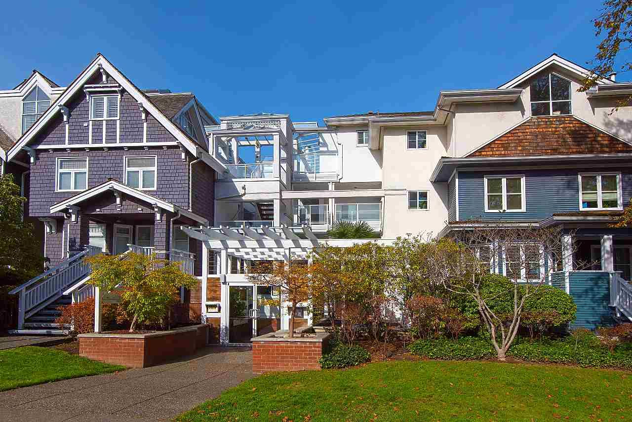 Main Photo: 212 2175 W 3RD AVENUE in Vancouver: Kitsilano Condo for sale (Vancouver West)  : MLS®# R2456551