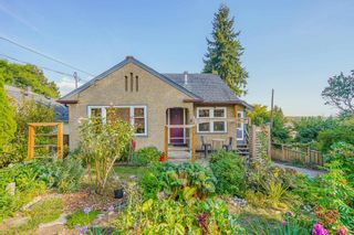 """Photo 1: 1516 NANAIMO Street in New Westminster: West End NW House for sale in """"West End"""" : MLS®# R2612167"""