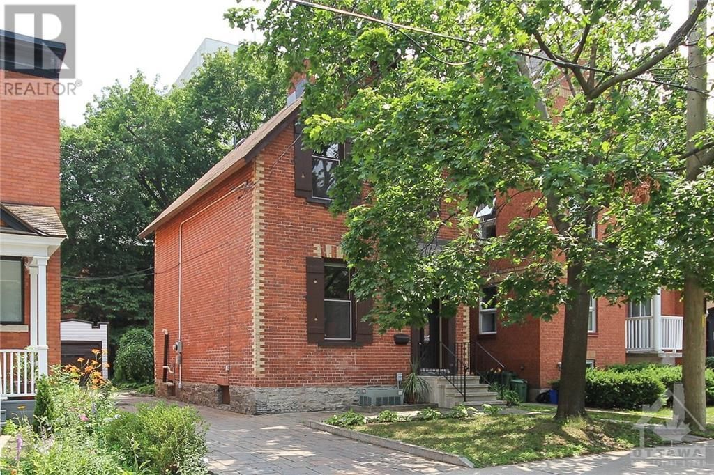 Main Photo: 70 PARK AVENUE in Ottawa: House for rent : MLS®# 1256103