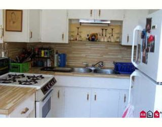 Photo 2: 923 LEE ST: House for sale (White Rock)  : MLS®# 2412100