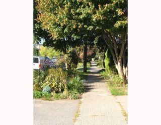 """Photo 10: 4288 WINDSOR Street in Vancouver: Fraser VE House for sale in """"FRASER"""" (Vancouver East)  : MLS®# V788976"""