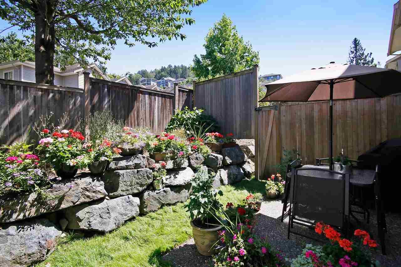 """Photo 15: Photos: 2 46840 RUSSELL Road in Sardis: Promontory Townhouse for sale in """"TIMBER RIDGE"""" : MLS®# R2197387"""