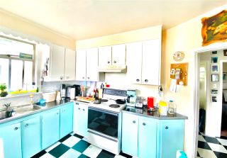 Photo 4: 957 E 15TH Avenue in Vancouver: Mount Pleasant VE House for sale (Vancouver East)  : MLS®# R2591504