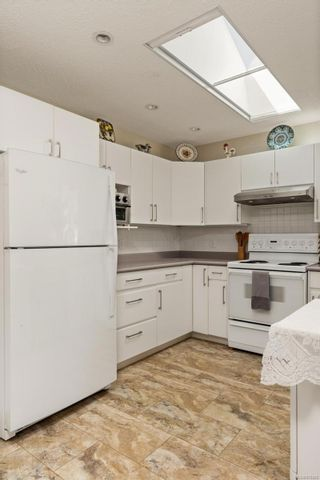 Photo 10: 2290 Amherst Ave in : Si Sidney North-East Half Duplex for sale (Sidney)  : MLS®# 876886