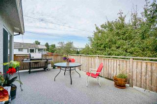 """Photo 7: 5815 BURNS Place in Burnaby: Upper Deer Lake House for sale in """"Upper Dear Lake"""" (Burnaby South)  : MLS®# R2208799"""