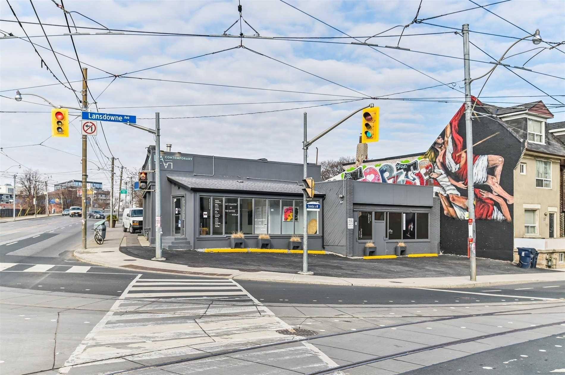 Main Photo: 1756 W Dundas Street in Toronto: Dufferin Grove Property for sale (Toronto C01)  : MLS®# C5155636
