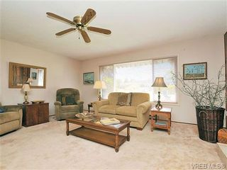 Photo 6: 2119 Redwing Pl in SIDNEY: Si Sidney South-West House for sale (Sidney)  : MLS®# 644053