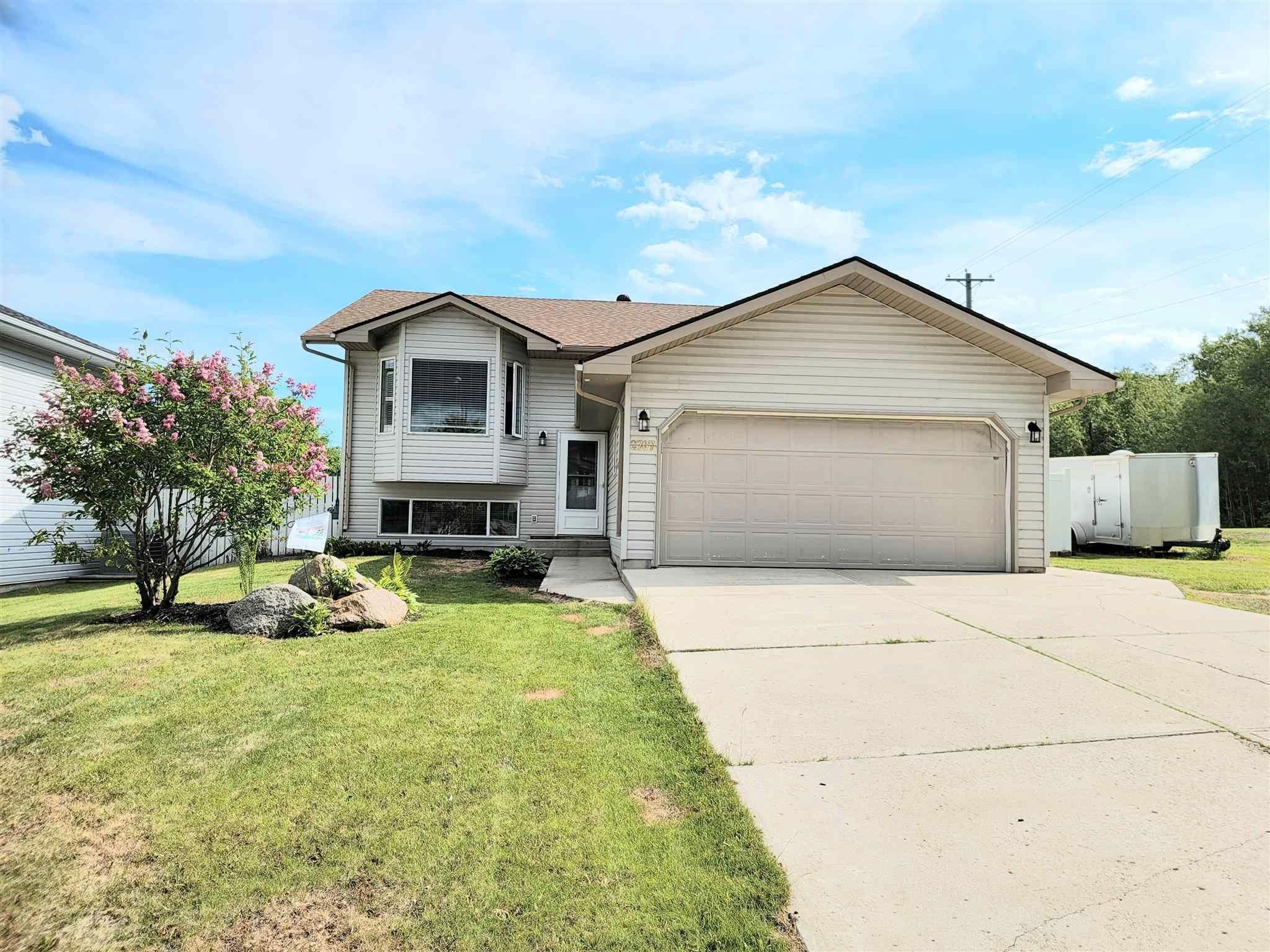 Main Photo: 2707 Beach Avenue: Cold Lake House for sale : MLS®# E4251240