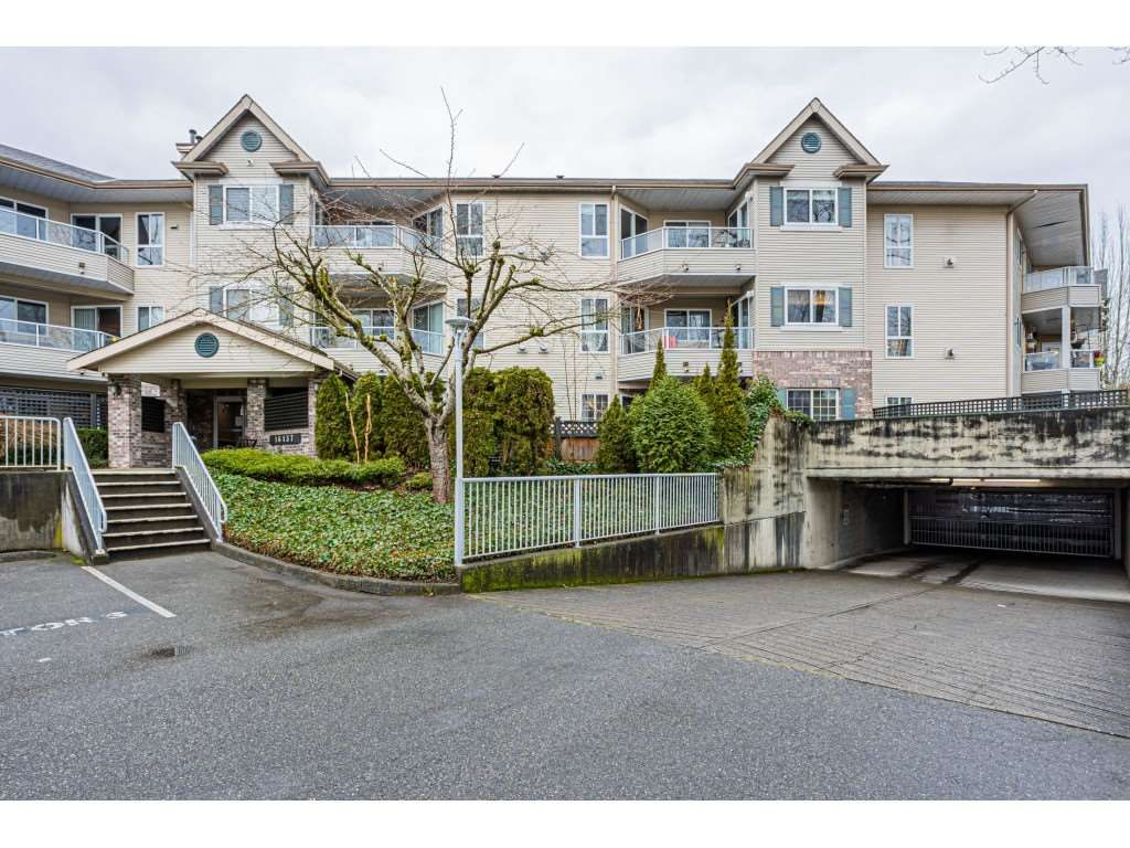 "Main Photo: 113 16137 83 Avenue in Surrey: Fleetwood Tynehead Condo for sale in ""Fernwood"" : MLS®# R2533344"