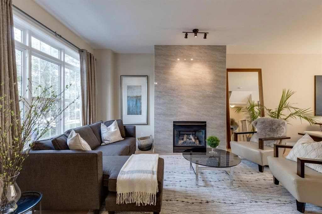Main Photo: 2481 Sorrel Mews SW in Calgary: Garrison Woods Row/Townhouse for sale : MLS®# A1143930