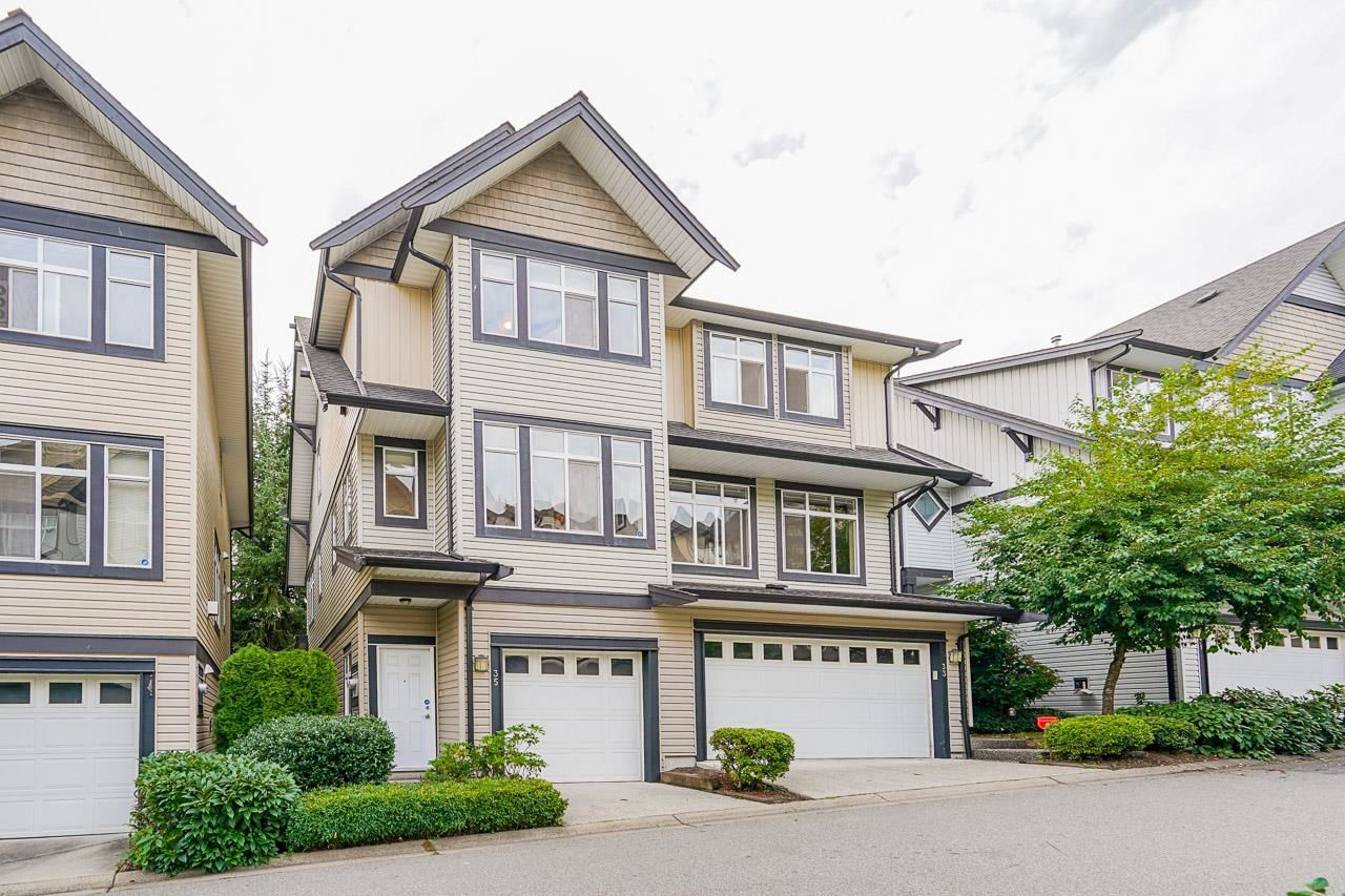 Main Photo: 35 19932 70 AVENUE in Langley: Willoughby Heights Townhouse for sale : MLS®# R2615021