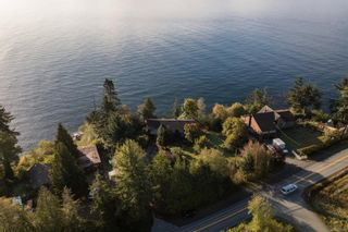 Photo 2: 8233 West Coast Rd in Sooke: Sk West Coast Rd House for sale : MLS®# 887298