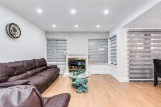 """Photo 10: 4687 GARDEN GROVE Drive in Burnaby: Greentree Village Townhouse for sale in """"Greentree Village"""" (Burnaby South)  : MLS®# R2589721"""