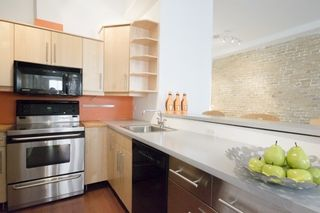 Photo 6: 323 Queen  St E Unit #2A in Toronto: Moss Park Condo for sale (Toronto C08)  : MLS®# C3710307