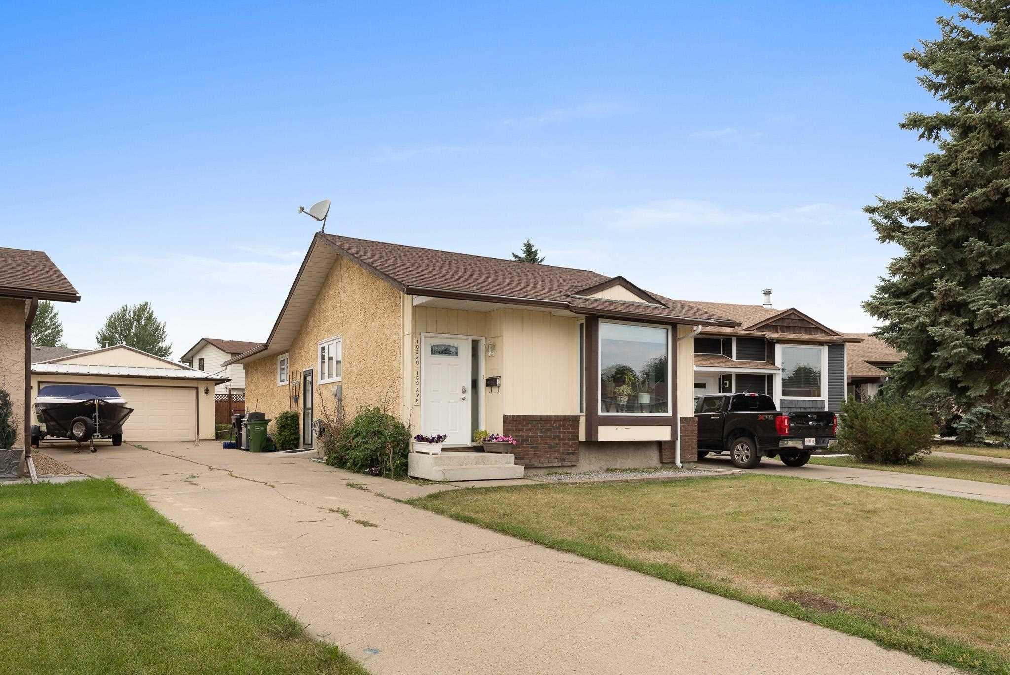Main Photo: 10220 169 Avenue in Edmonton: Zone 27 House for sale : MLS®# E4266336