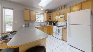 Photo 8: 1559 PARK Avenue: Roberts Creek House for sale (Sunshine Coast)  : MLS®# R2613701