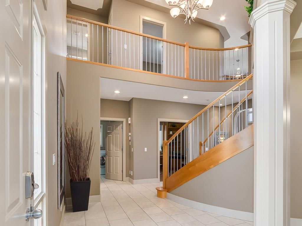 Photo 3: Photos: 1041 PANORAMA HILLS Landing NW in Calgary: Panorama Hills House for sale : MLS®# C4122124