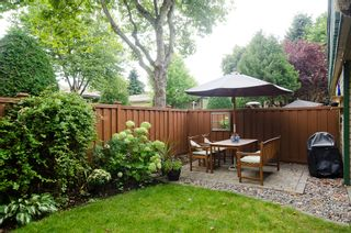 """Photo 11: 11712 KINGSBRIDGE Drive in Richmond: Ironwood Townhouse for sale in """"KINGSWOOD DOWNES"""" : MLS®# V968100"""