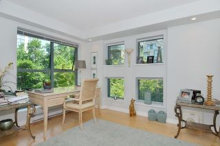 Photo 3: 305 1188 QUEBEC STREET in Vancouver: Mount Pleasant VE Condo for sale (Vancouver East)  : MLS®# R2009498