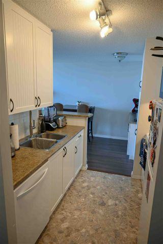 Photo 2: 1404 11307 99 Avenue in Edmonton: Zone 12 Condo for sale : MLS®# E4247879