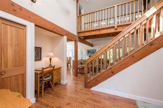 Photo 6: 7166 HESSLEA Crescent in Abbotsford: Bradner House for sale : MLS®# R2572032