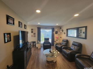 Photo 3: 943 Glenview Cove in Martensville: Residential for sale : MLS®# SK870456