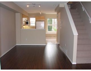 """Photo 3: 50 7111 LYNNWOOD Drive in Richmond: Granville Townhouse for sale in """"LAURELWOOD"""" : MLS®# V662822"""