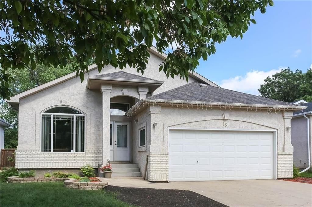 Main Photo: 15 Bloomer Crescent in Winnipeg: Charleswood Residential for sale (1G)  : MLS®# 202124693