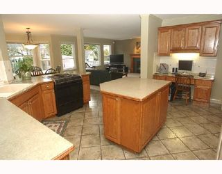 Photo 2: 2536 BRONTE Drive in North_Vancouver: Blueridge NV House for sale (North Vancouver)  : MLS®# V681757