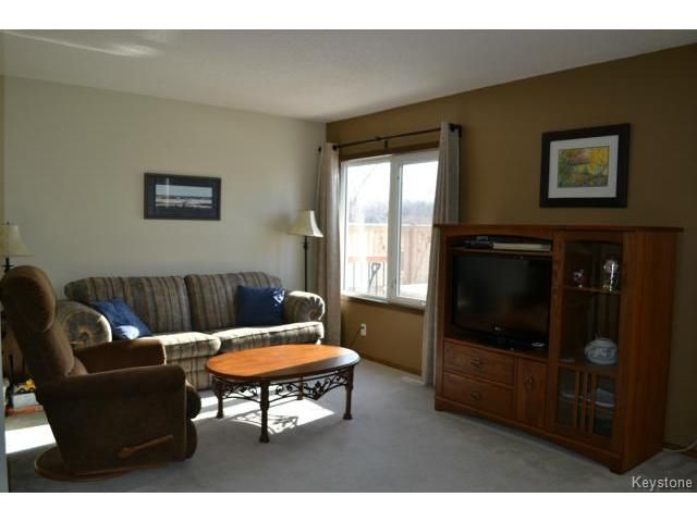 Photo 3: Photos: 10 Carriage House Road in WINNIPEG: St Vital Residential for sale (South East Winnipeg)  : MLS®# 1504404