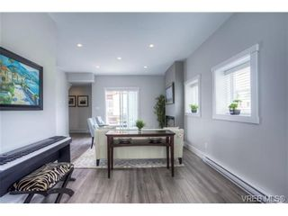 Photo 4: 102 2737 Jacklin Rd in VICTORIA: La Langford Proper Row/Townhouse for sale (Langford)  : MLS®# 737621