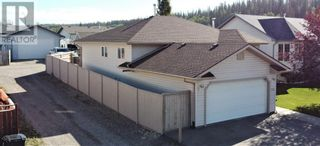 Photo 3: 152 MacKay Crescent in Hinton: House for sale : MLS®# A1108332