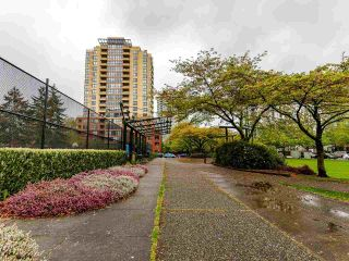 """Photo 33: 1102 5288 MELBOURNE Street in Vancouver: Collingwood VE Condo for sale in """"Emerald Park Place"""" (Vancouver East)  : MLS®# R2572705"""