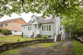Photo 1: 41 Central Avenue in Halifax: 6-Fairview Residential for sale (Halifax-Dartmouth)  : MLS®# 202116973