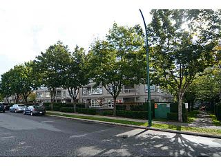 Photo 16: 403 4950 MCGEER STREET in Vancouver: Collingwood VE Condo for sale (Vancouver East)  : MLS®# V1142563