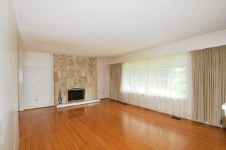Photo 3: 1628 WESTERN Drive in Port Coquitlam: Mary Hill House for sale : MLS®# R2576549