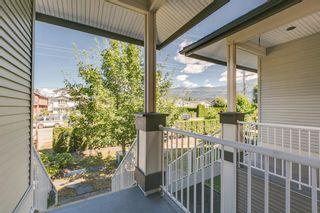 """Photo 4: 10 1800 MAMQUAM Road in Squamish: Garibaldi Estates Townhouse for sale in """"Viressence"""" : MLS®# R2102551"""
