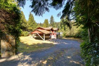 Photo 1: 4909 WATER Lane in West Vancouver: Olde Caulfeild House for sale : MLS®# R2203588