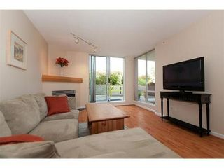 Photo 3: 330 1979 YEW Street in Capers Building: Kitsilano Home for sale ()  : MLS®# V850213