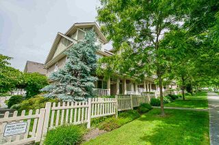 """Photo 3: 6 621 LANGSIDE Avenue in Coquitlam: Coquitlam West Townhouse for sale in """"EVERGREEN"""" : MLS®# R2588255"""