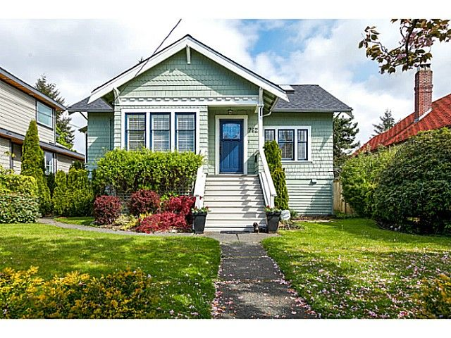 Main Photo: 762 E 8TH Street in North Vancouver: Boulevard House for sale : MLS®# V1123795