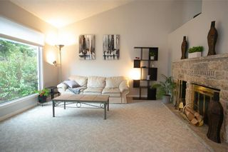 Photo 3: 150 Southwalk Bay in Winnipeg: River Park South Residential for sale (2F)  : MLS®# 202120702