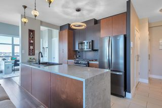 """Photo 5: 2402 989 BEATTY Street in Vancouver: Yaletown Condo for sale in """"THE NOVA"""" (Vancouver West)  : MLS®# R2604088"""