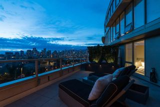 """Photo 4: 1110 445 W 2ND Avenue in Vancouver: False Creek Condo for sale in """"MAYNARDS BLOCK"""" (Vancouver West)  : MLS®# R2541990"""