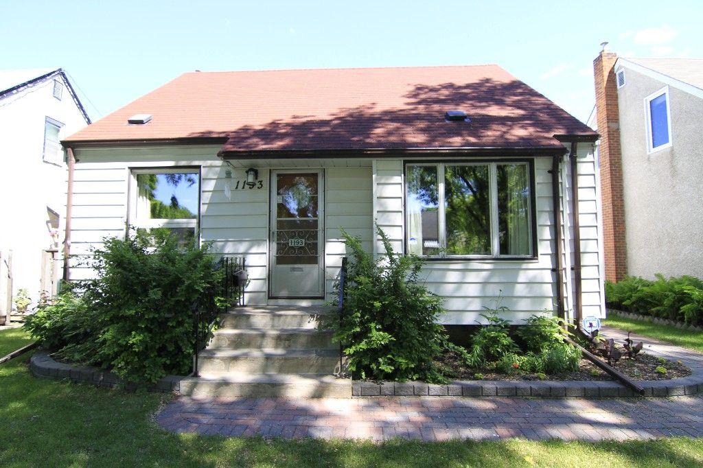 Photo 2: Photos: 1193 Ashburn Street in Winnipeg: West End / Wolseley Single Family Detached for sale (West Winnipeg)  : MLS®# 1313042