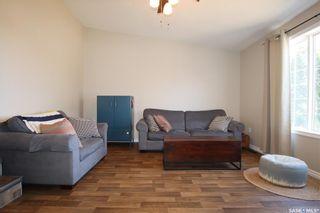 Photo 3: 202 Lochrie Crescent in Saskatoon: Fairhaven Residential for sale : MLS®# SK850647